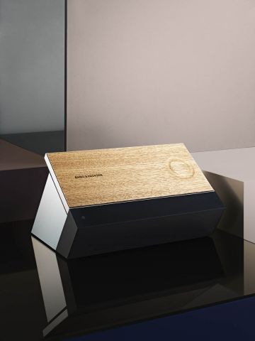 Bang & Olufsen BeoSound Moment